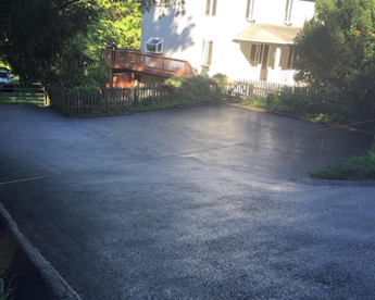 Driveway with Sealcoating in Baltimore, MD